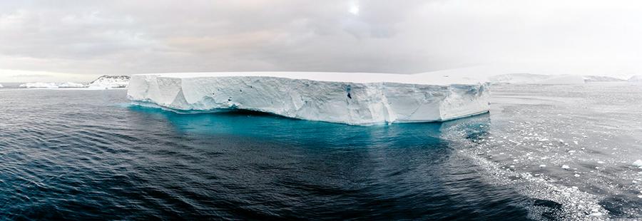 Antartica - Icebergs